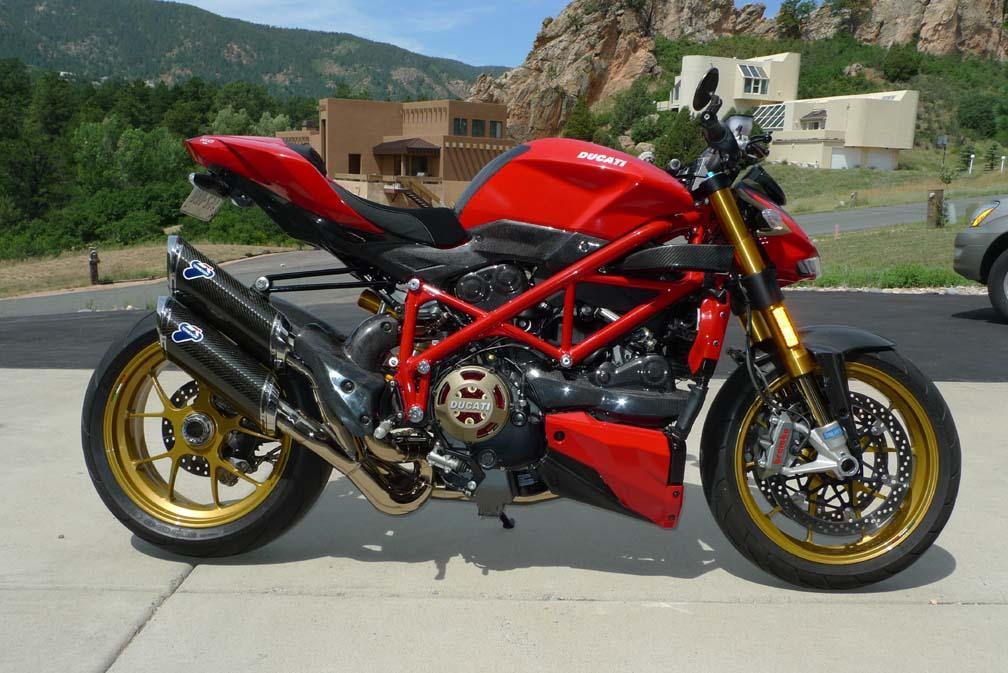 Ducati Streetfighter Vs Monster